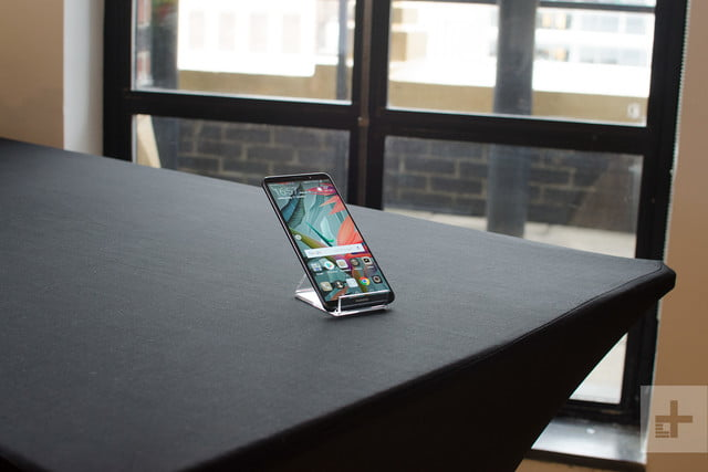 Huawei Mate 10 Pro review on table