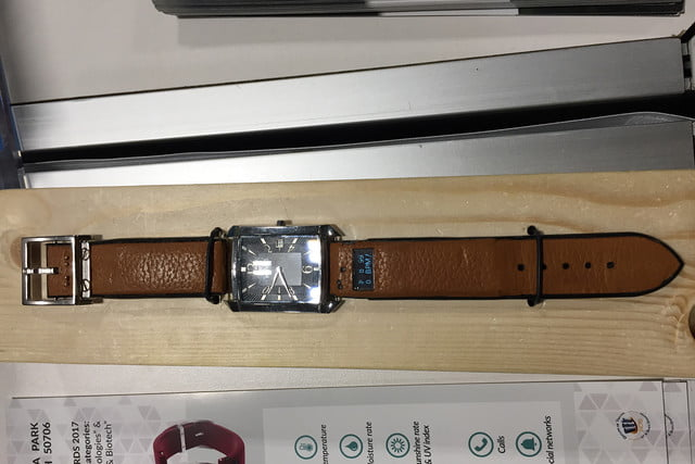 ct band smart watch ces 2017 img 6040