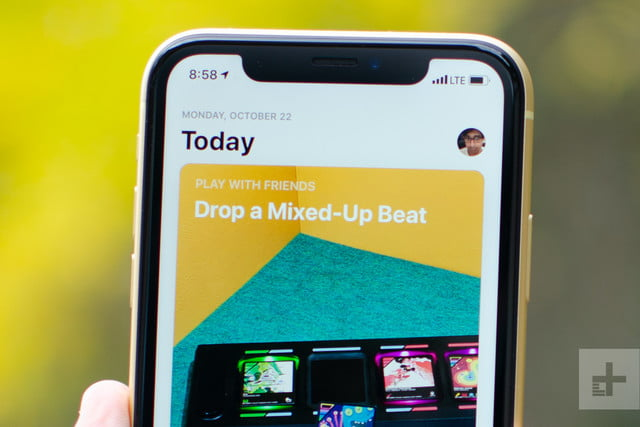 apple iphone xr review front top