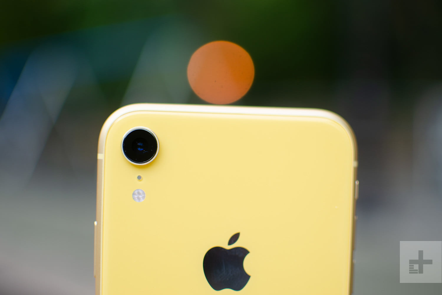 cf7e466199e On the front, the iPhone XR features the same TrueDepth camera system as  the iPhone XS and iPhone XS Max, meaning you get the same Face ID features  as other ...