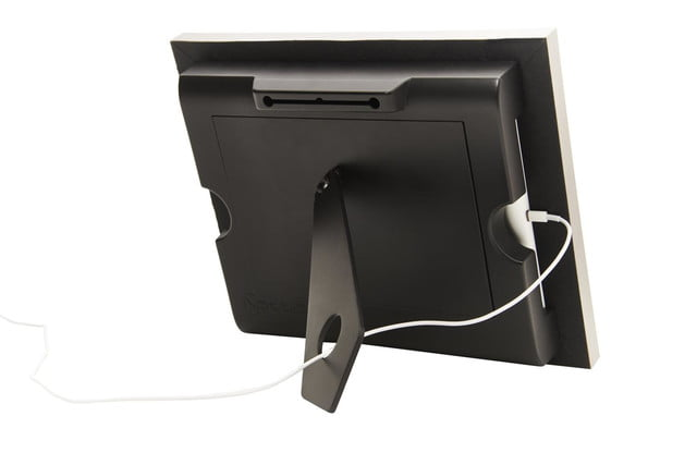 whats that slot in the picture frame for you put your ipad there isotto 3