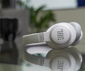 JBL's noise canceling headphones sound even better when you see their price