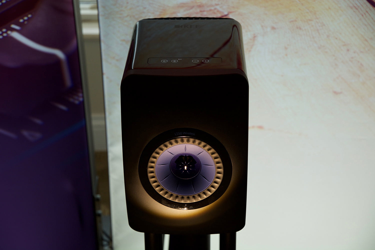 a1c0f889713 KEF's LS50 Wireless speakers: Our first takeTech News Expert | Tech ...