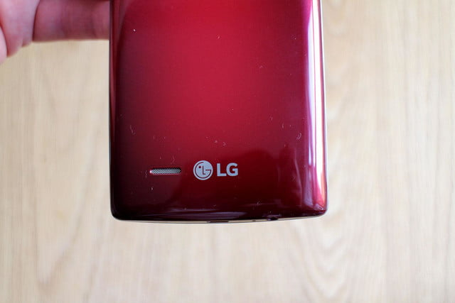 LG G Flex2 back bottom