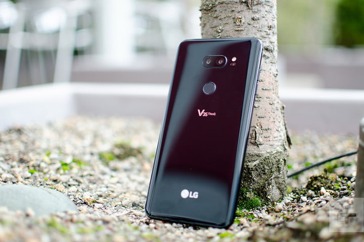 lg v35 thinq vs g7 against tree