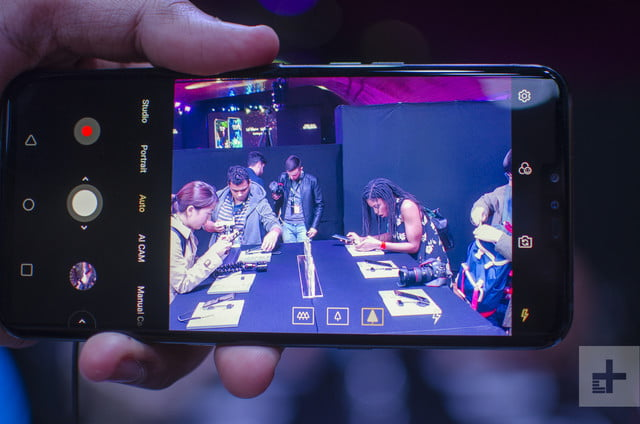 LG V50 ThinQ hands-on