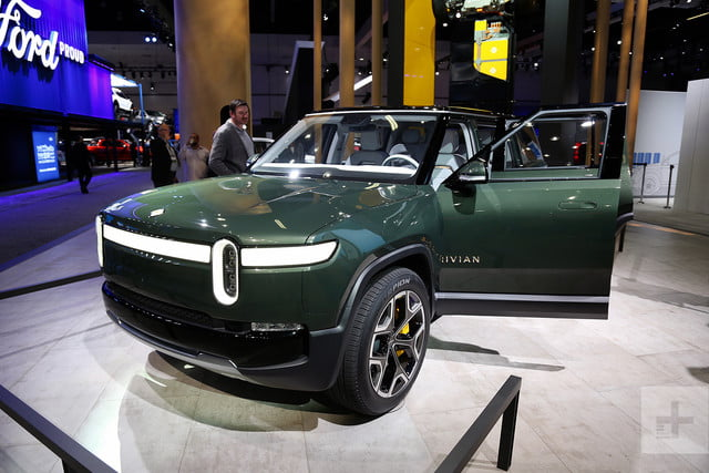 rivian r1s electric suv mb 3