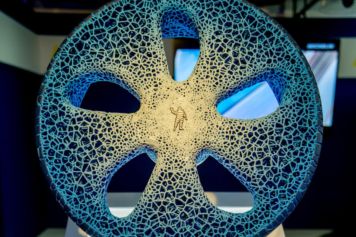 Michelin Unveils Visionary 3d Printed Airless Concept