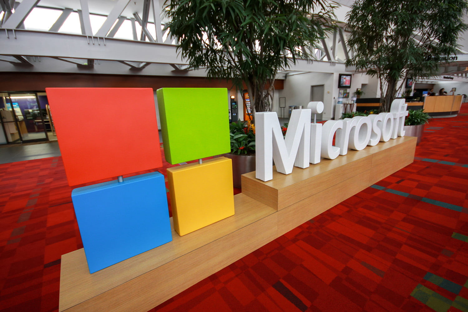Newly revealed Microsoft patent may support a Surface all-in-one ...