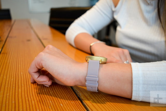 misfit path review wrist table