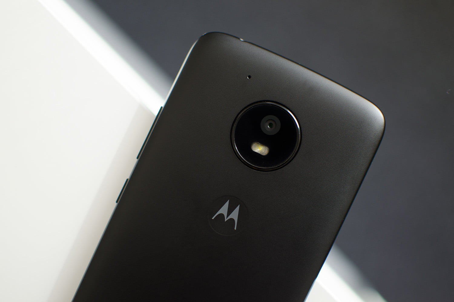 Seven Helpful Moto E4 Tips And Tricks Digital Trends Way Light Switching New Cable Colours