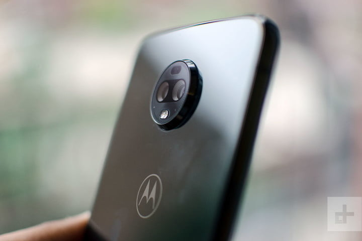 Could the Moto Z4 be the first phone to bring back the headphone jack?