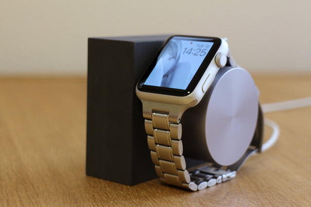 hands on native union dock for the apple watch 0009