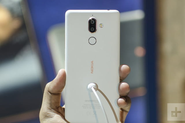 Nokia 7 Plus Hands-On | Back of the phone from straight on