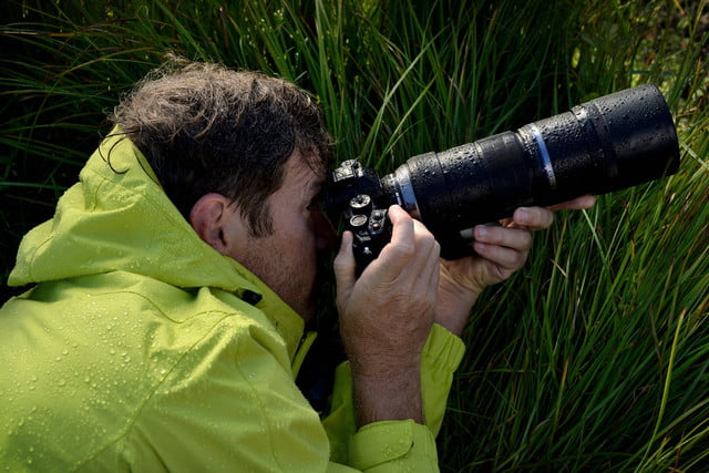 olympus 300mm lens puts extra stabilization into handheld photography ces2016 9