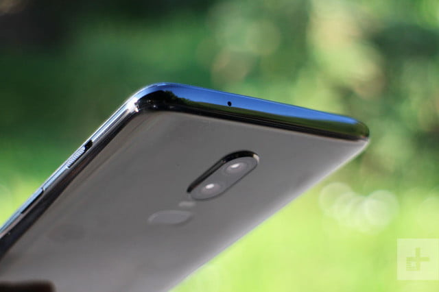 oneplus 6 hands on top profile