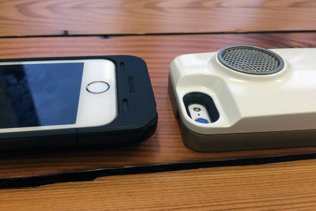 Peri iPhone case with speaker 10