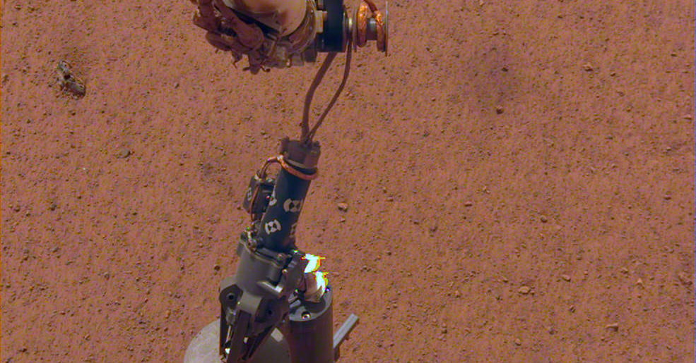 InSight has placed its heat probe, will dig 16 feet beneath the surface of Mars - Digital Trends image