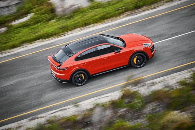 the 2020 porsche cayenne coupe is all about style 2