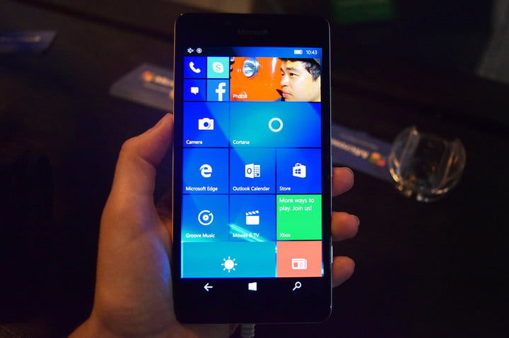 Microsoft Lumia 950 and 950XL Hands-On Review