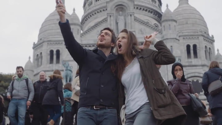 This Selfie Stick iPhone Case Makes Taking Selfies Easier