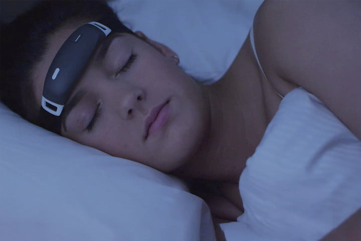 The iBand+ Wearable Claims to Help You Dream Lucidly