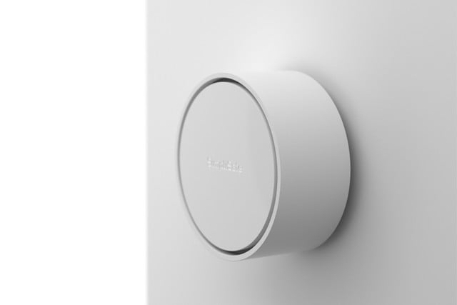 new simplisafe home security system ces 2018 pro smartlock side