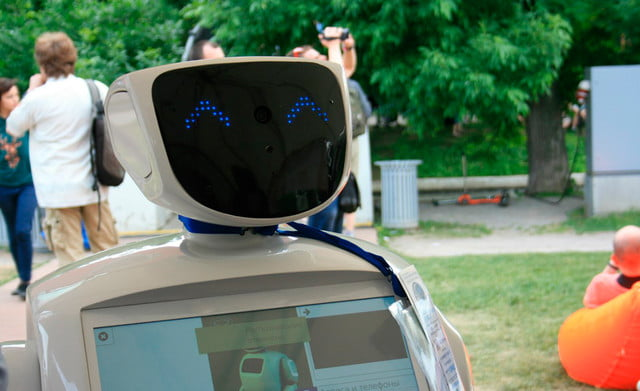 russian robot escapes lab disrupts traffic promobot photo 10