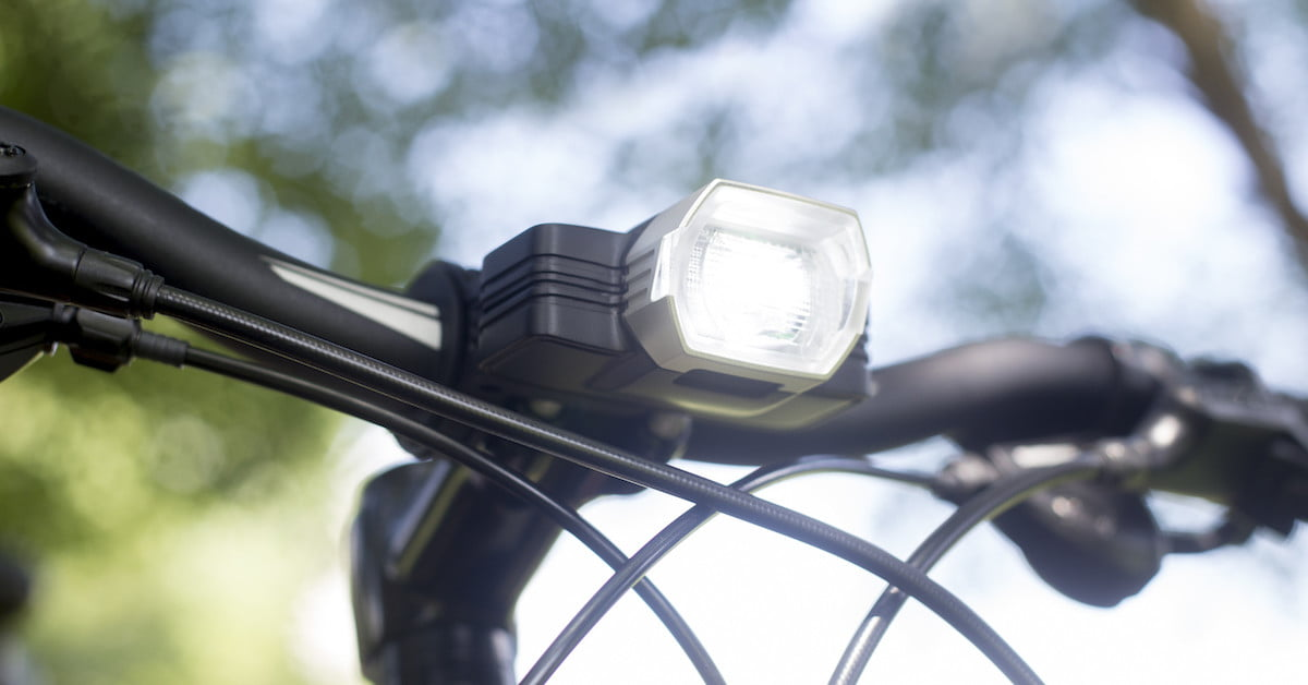 This Smart Bike Light Adjusts its Brightness Based on Your ...