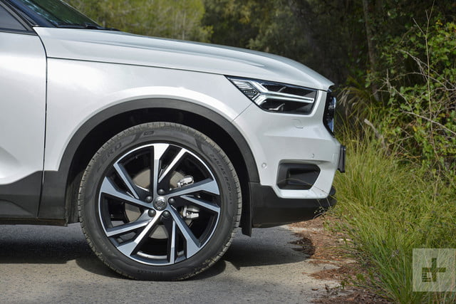 2019 Volvo XC40 first drive review front right