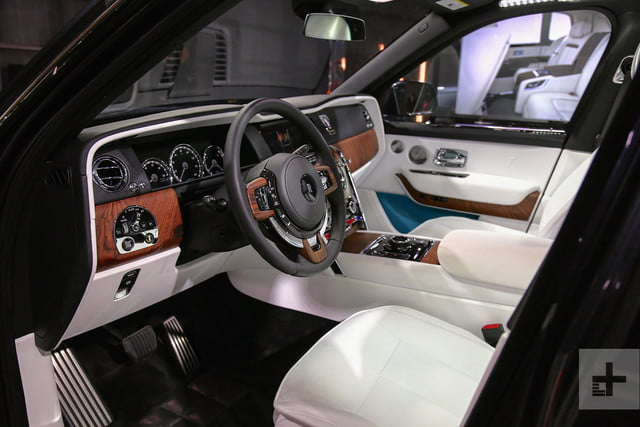 rolls royce cullinan front seat angle