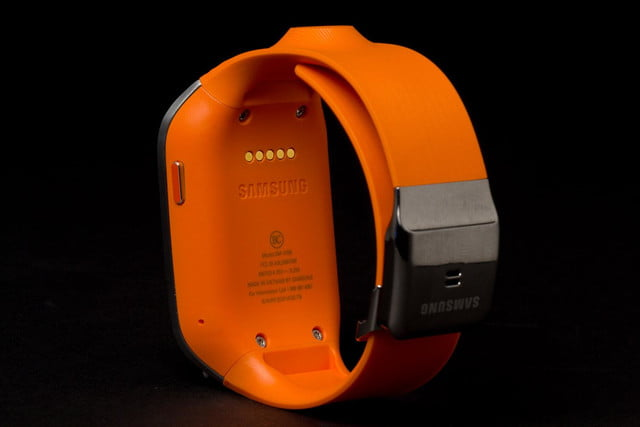 samsung galaxy gear smartwatch review rear angle band