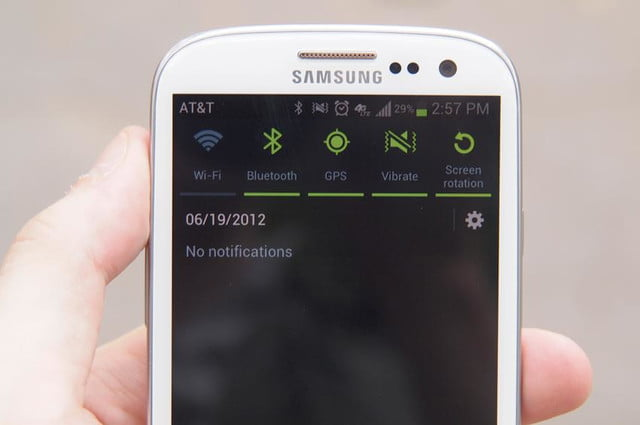 Samsung Galaxy S3 review top screen android 4.0 ice cream apps