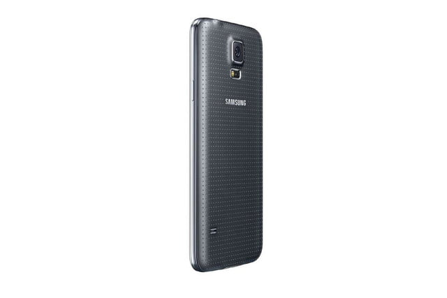 galaxy s5 makes debut samsung unpacked event mwc 2014 black 8
