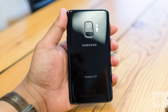 samsung s9 plus only showing unlock symbol