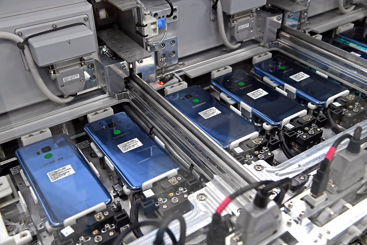 How Samsung Built The Galaxy S8 Design Battery Tech Features And Hard Drive Circuit Board Pcb More Digital Trends