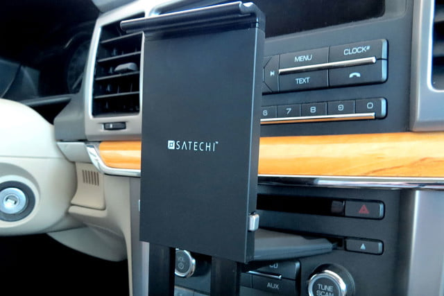 hands on satechi car mounts and accessories universal smartphone tablet cd slot dock