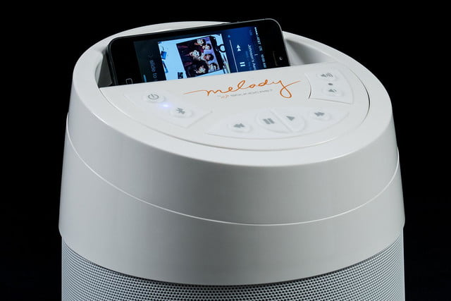 soundcast melody top with iphone