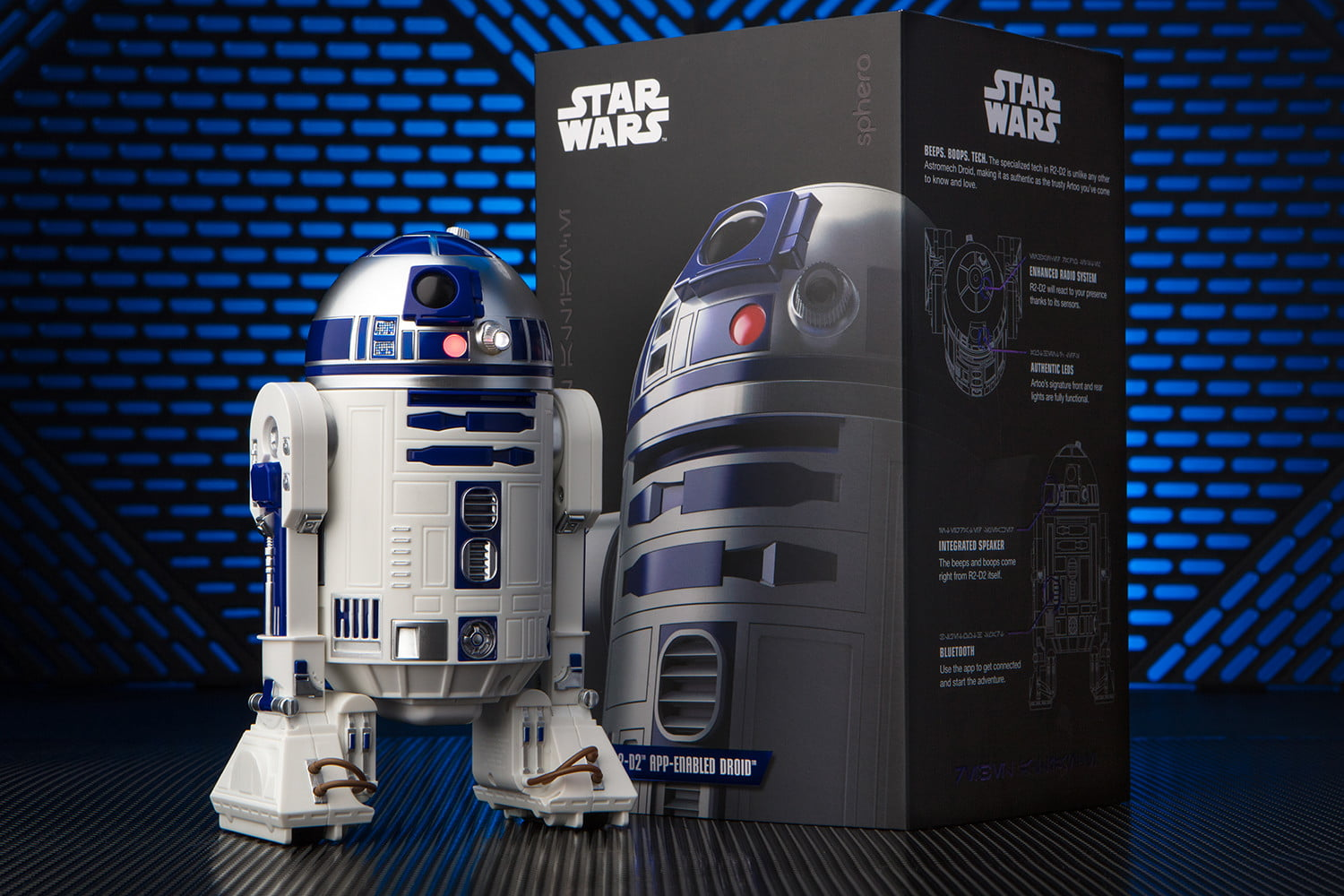 Sphero S R2d2 And Bb 9e Are Star Wars Characters Come To