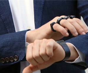Wear your keyboard like a pair of brass knuckles with Tap Strap