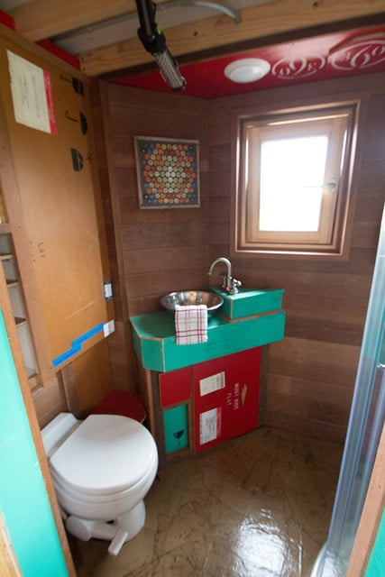 tiny drop home on wheels tend building 003