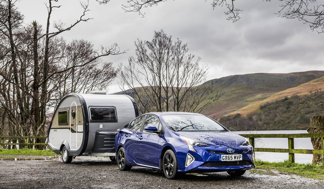 Toyota Offers Tow Package For 2016 Prius Specs News