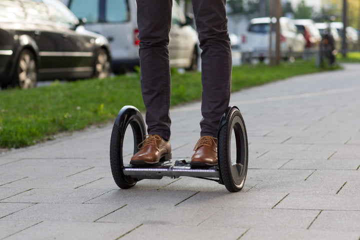 urmo hoverboard folds flat in seconds outdoor 0034