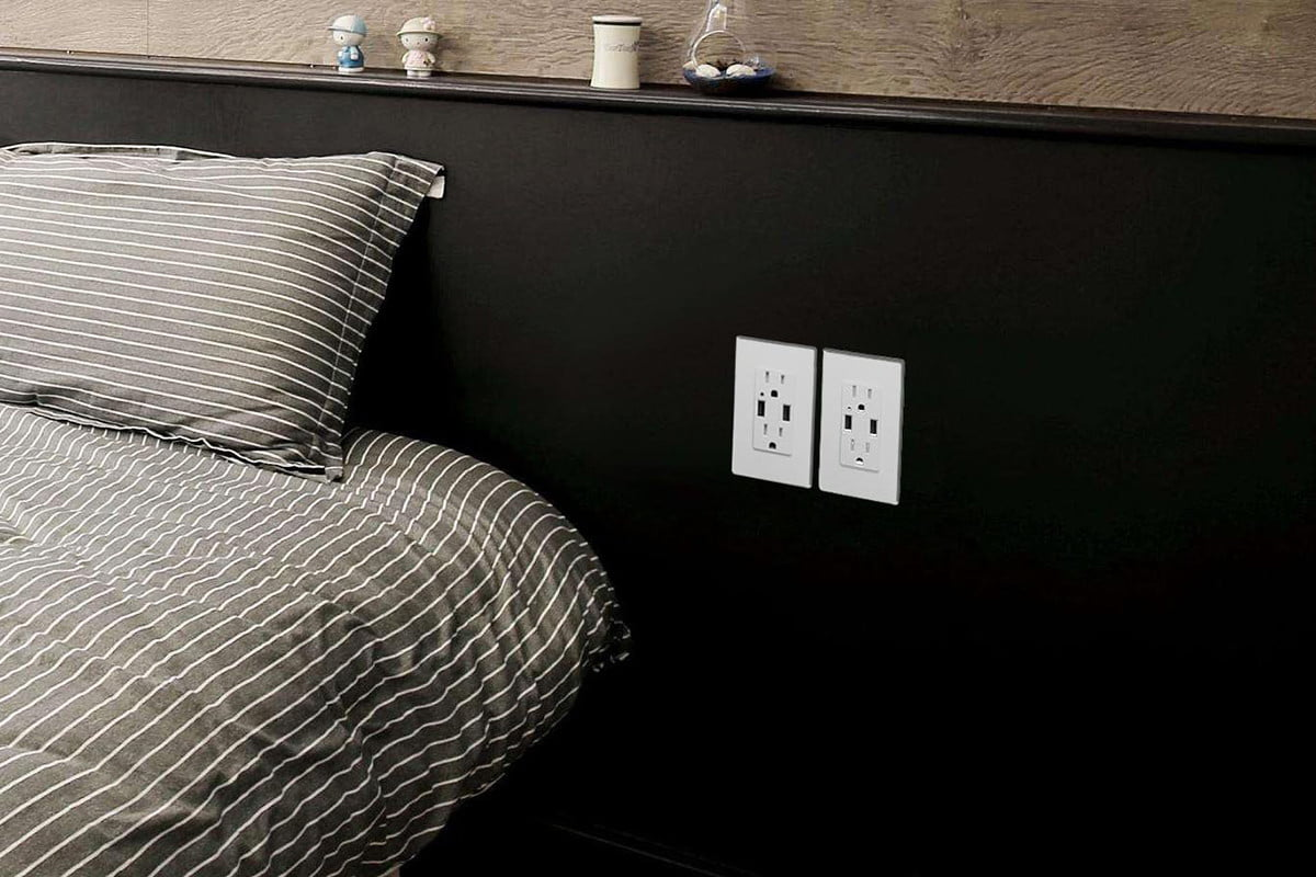 How To Install A Usb Outlet No Experience Required Digital Trends Light Switch Wiring Diagram Further Electrical Outlets