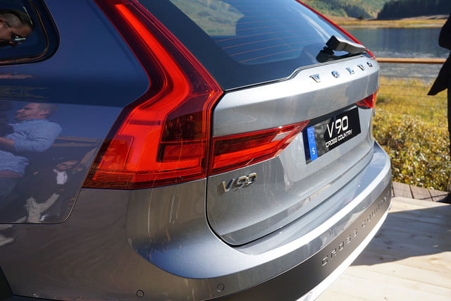 volvo v90 cross country news specs pictures 011