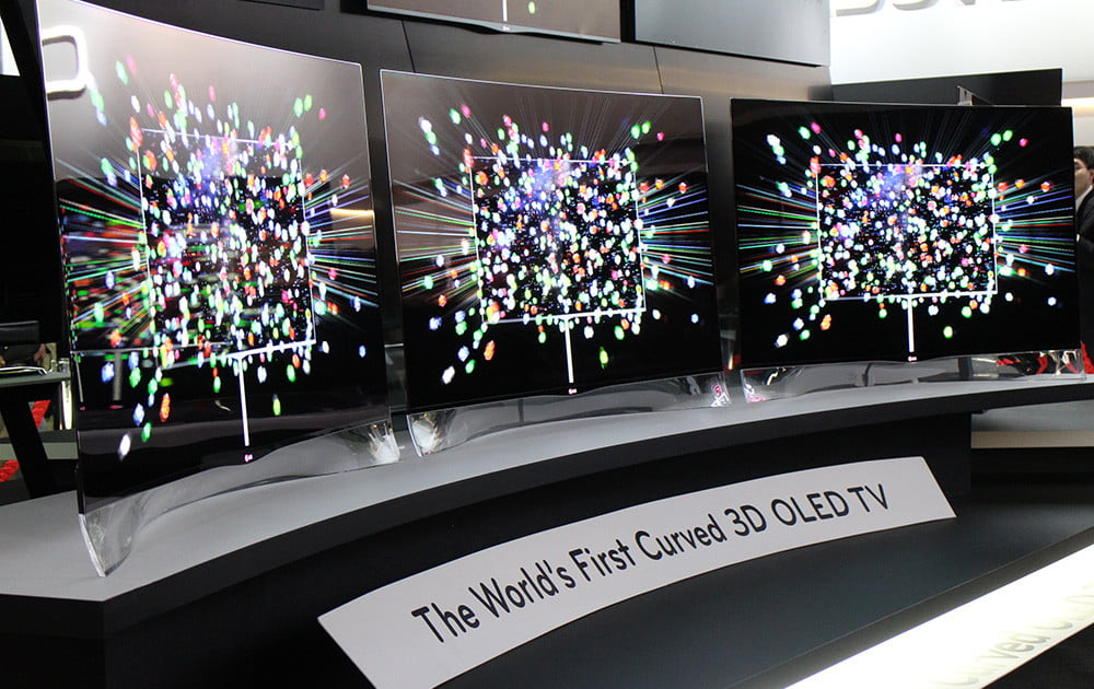 Who Really Built The World S First Curved Oled Tv