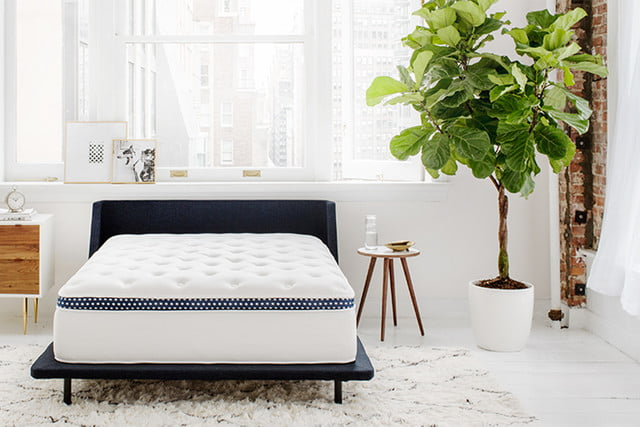 coolcontrol mattress temperature winkbed lifestyle shot 1