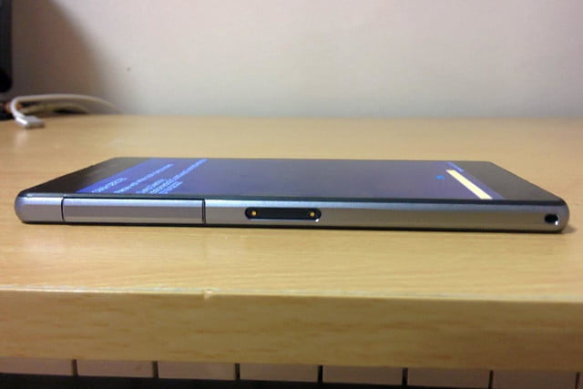 Sony Xperia Sirius leak right side